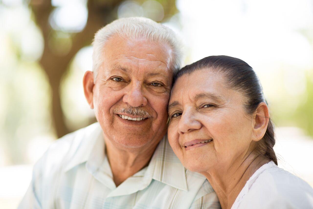 Rosenthal Senior Couple Smiling